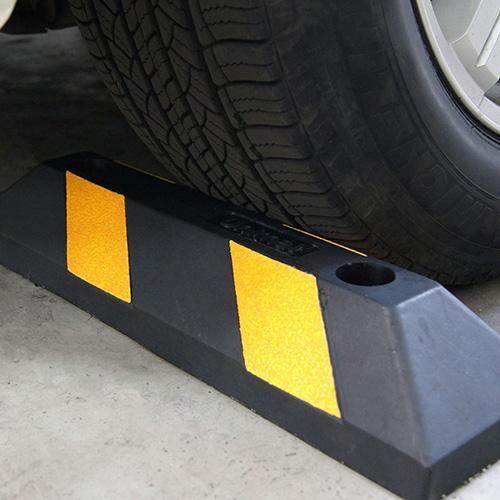 """21"""" Home Parking Durable Wheel Stops"""